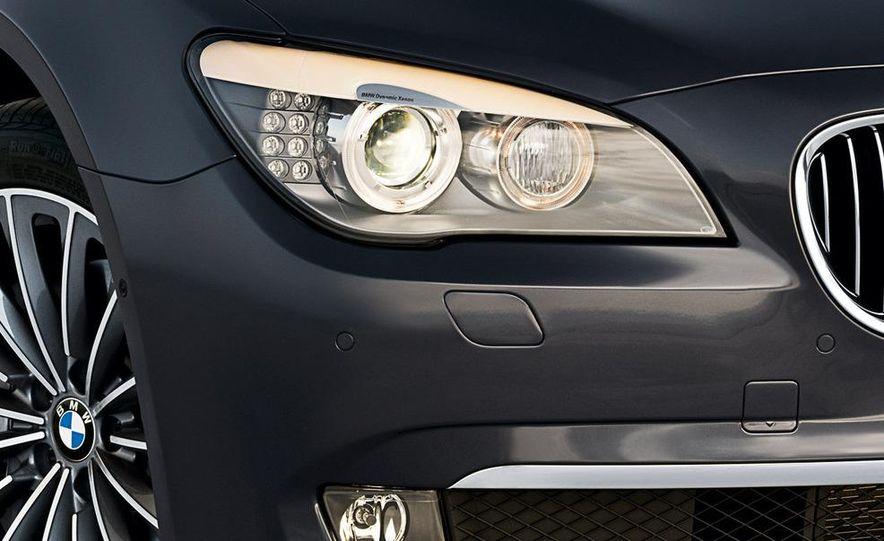 2009 BMW 730d (Not for U.S. sale) - Slide 27