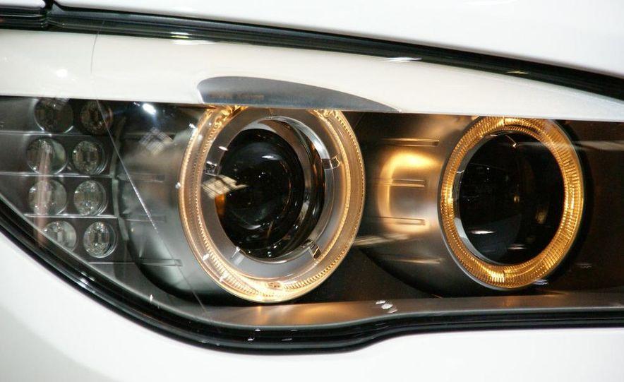 2009 BMW 730d (Not for U.S. sale) - Slide 4