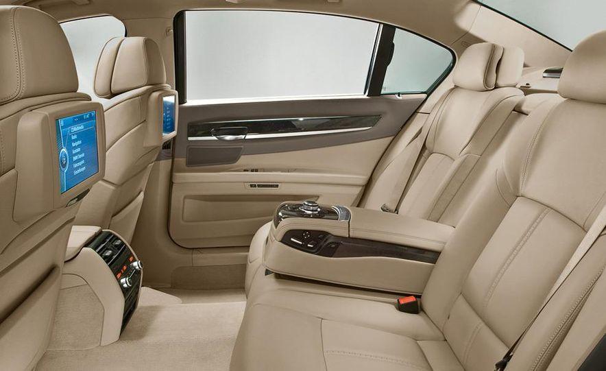 2009 BMW 730d (Not for U.S. sale) - Slide 25