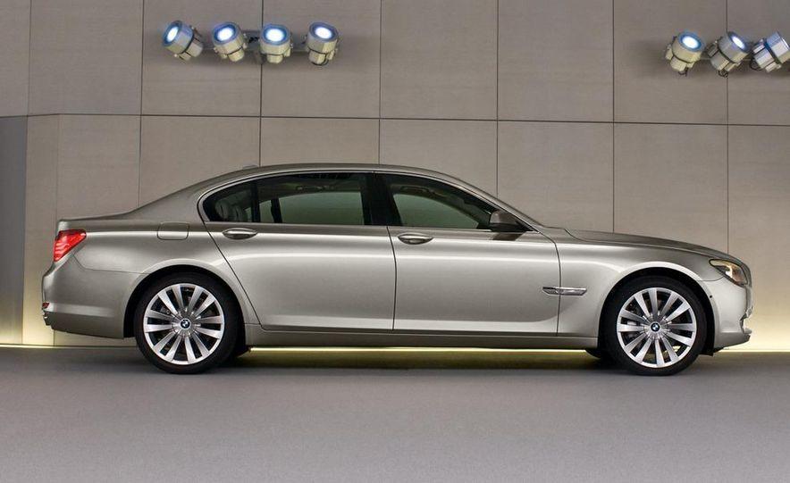 2009 BMW 730d (Not for U.S. sale) - Slide 19
