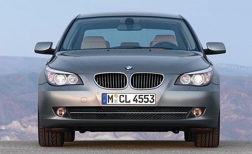 2010 BMW 5-series - Slide 18
