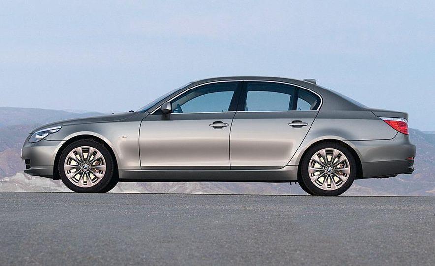 2010 BMW 5-series - Slide 20