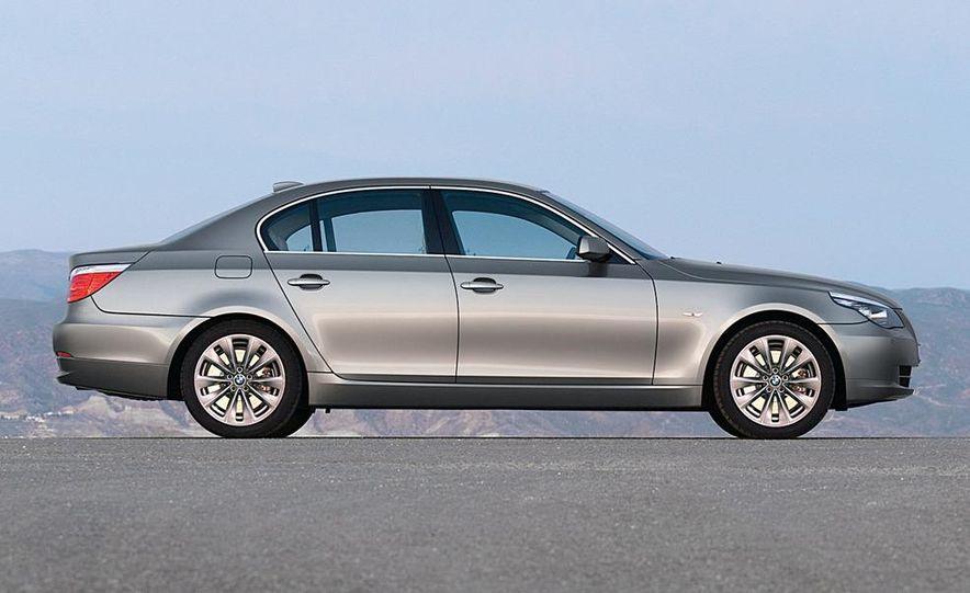 2010 BMW 5-series - Slide 21