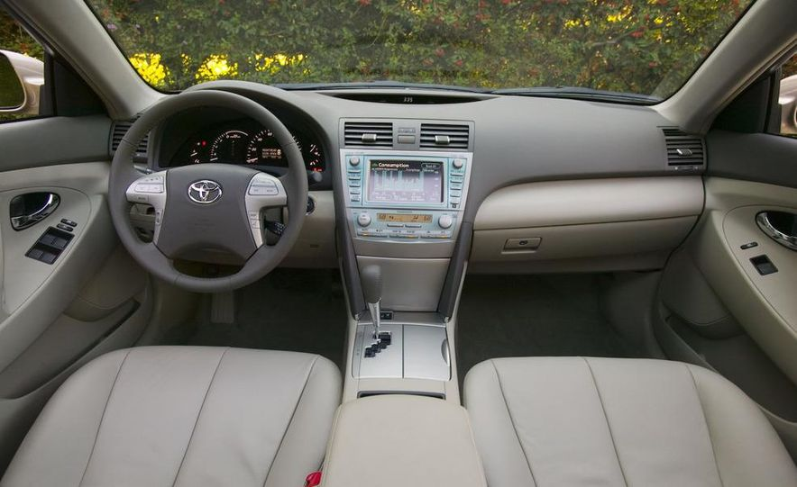 2008 Toyota Camry hybrid - Slide 3