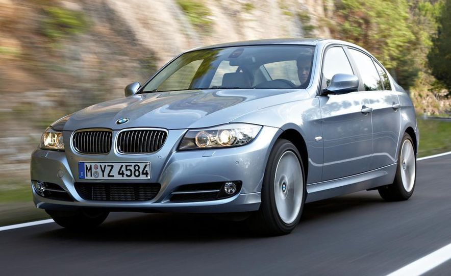 2009 BMW 3-series sedan - Slide 4