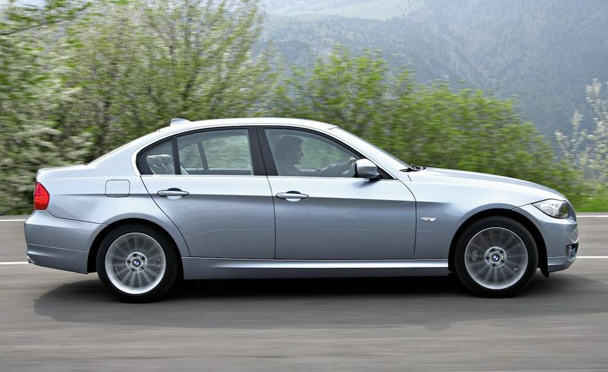 2009 BMW 3-series sedan - Slide 8