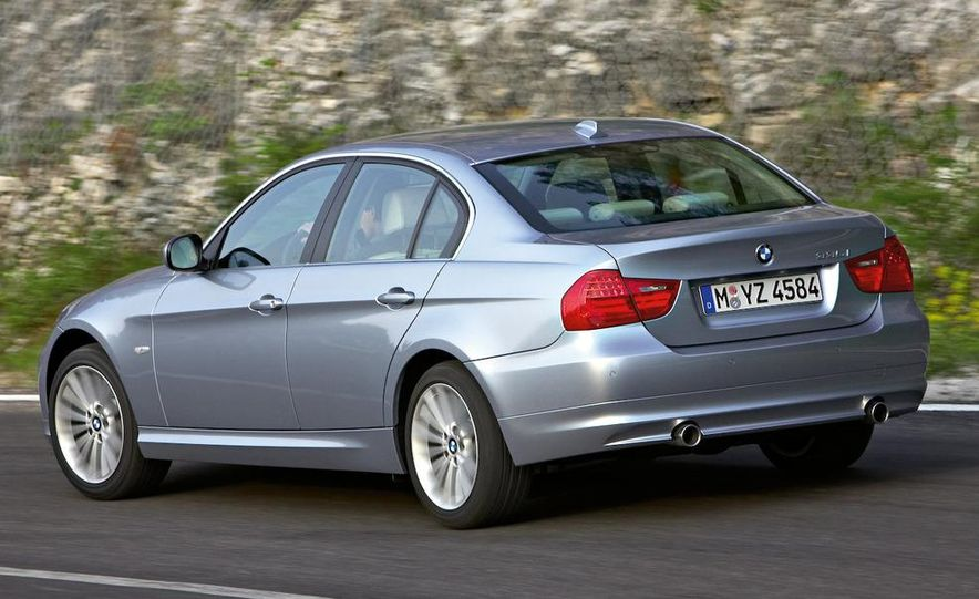 2009 BMW 3-series sedan - Slide 11