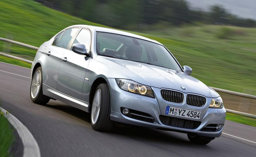 2009 BMW 3-series sedan - Slide 14