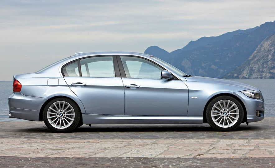 2009 BMW 3-series sedan - Slide 32