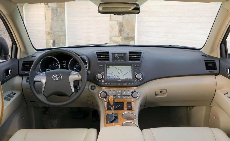 2008 Toyota Highlander hybrid - Slide 5
