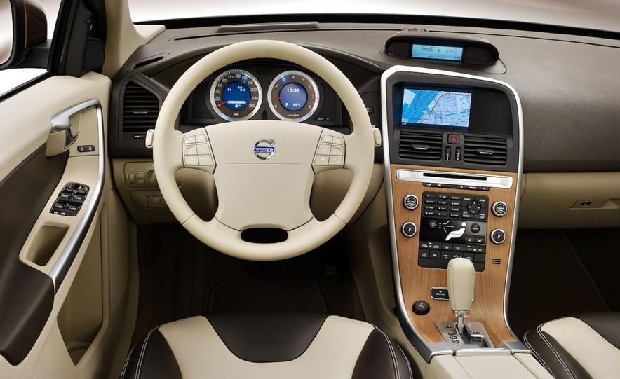 2009 Volvo XC90 interior - Slide 31