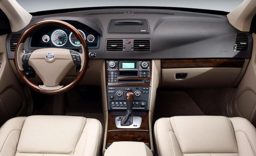 2009 Volvo XC90 interior - Slide 1