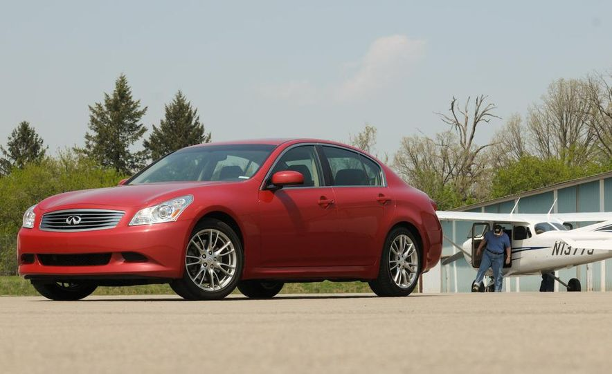 2007 Infiniti G35 Sport 6MT 3.5-liter V-6 engine - Slide 7