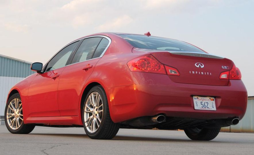 2007 Infiniti G35 Sport 6MT 3.5-liter V-6 engine - Slide 12
