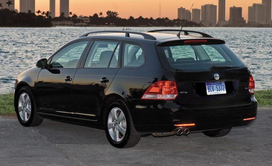 2009 Volkswagen Jetta Sportwagen - Slide 1