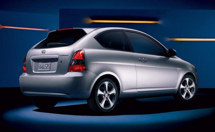 2009 Hyundai Elantra Touring - Slide 5