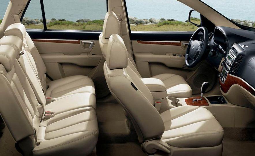 2009 Hyundai Elantra Touring - Slide 11