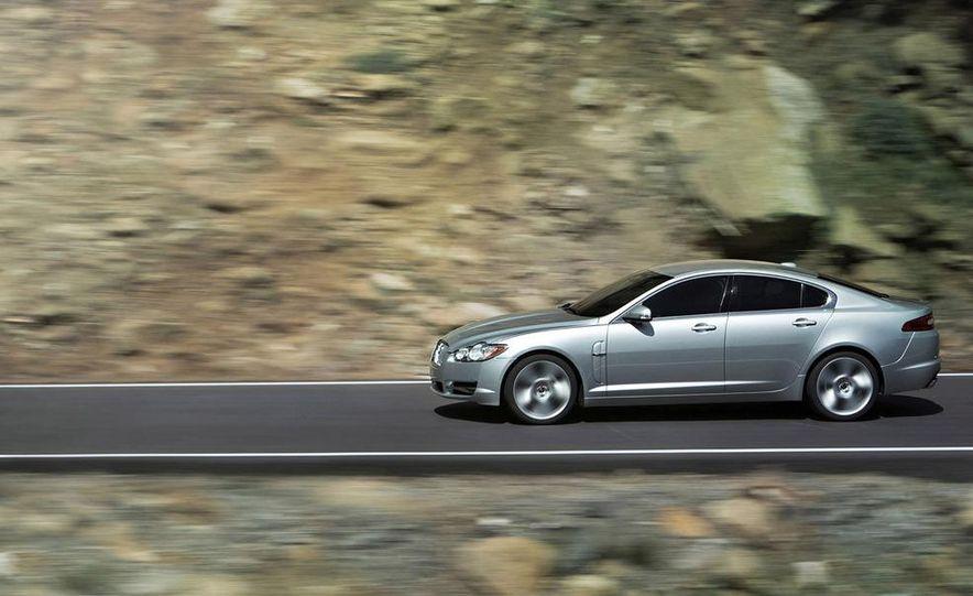 2009 Jaguar XJ Portfolio Edition - Slide 23