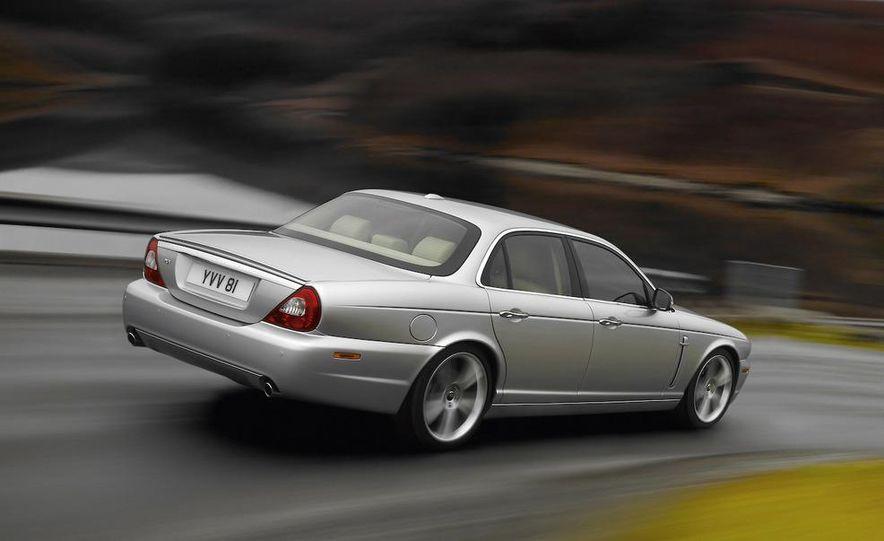 2009 Jaguar XJ Portfolio Edition - Slide 4