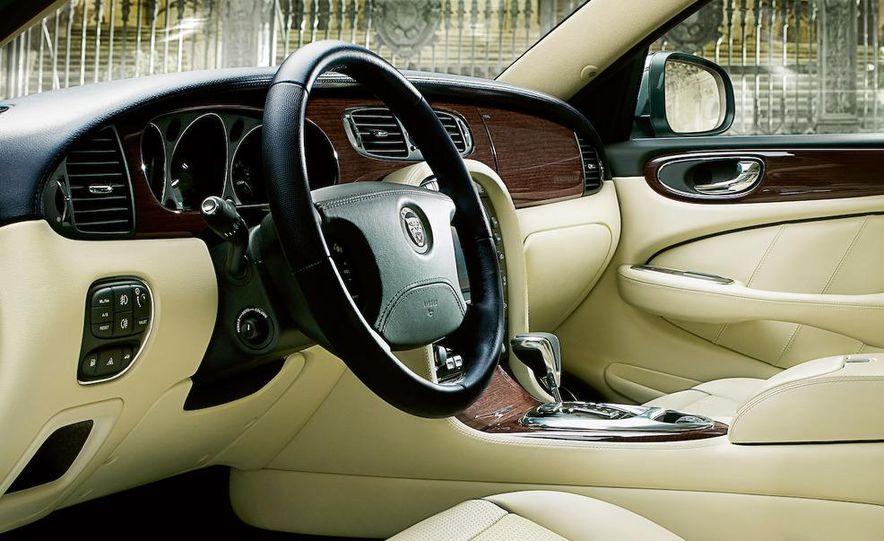 2009 Jaguar XJ Portfolio Edition - Slide 3