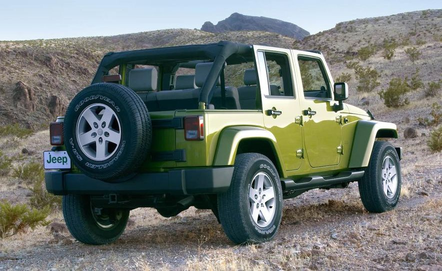 2008 Jeep Wrangler interior - Slide 4