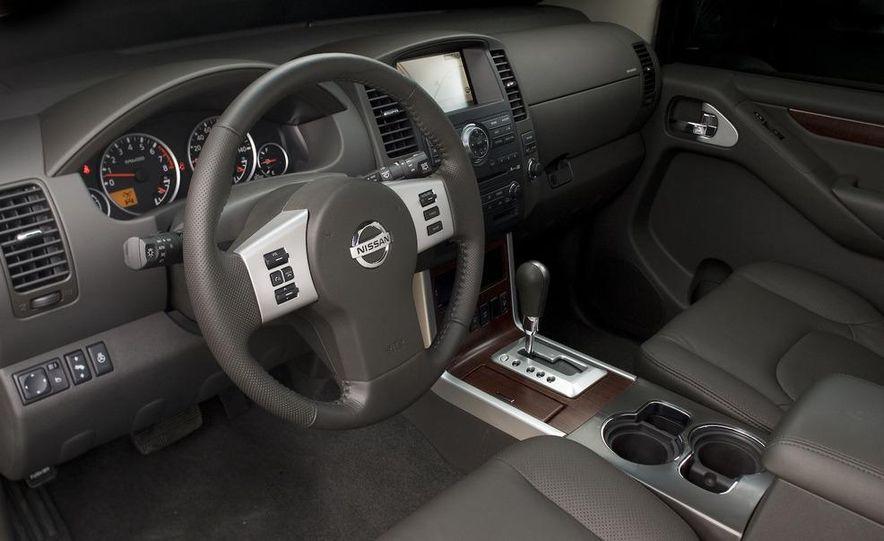 2009 Nissan Murano interior - Slide 49