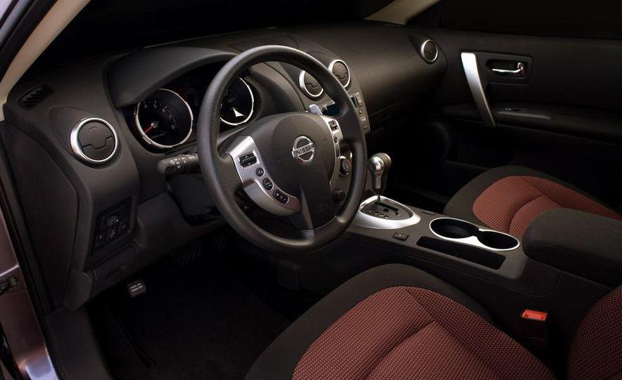 2009 Nissan Murano interior - Slide 30