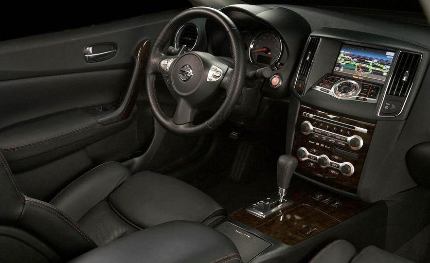 2009 Nissan Murano interior - Slide 37