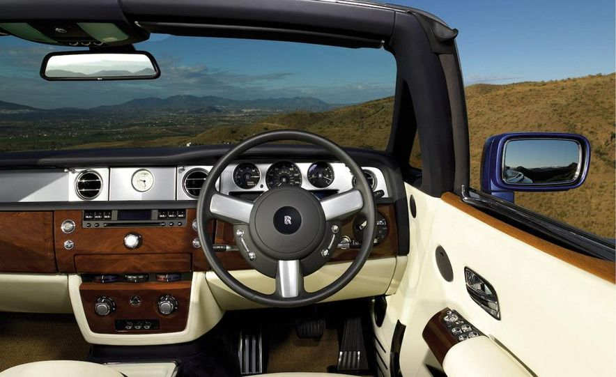 2008 Rolls-Royce Phantom Drophead Coupe interior - Slide 1