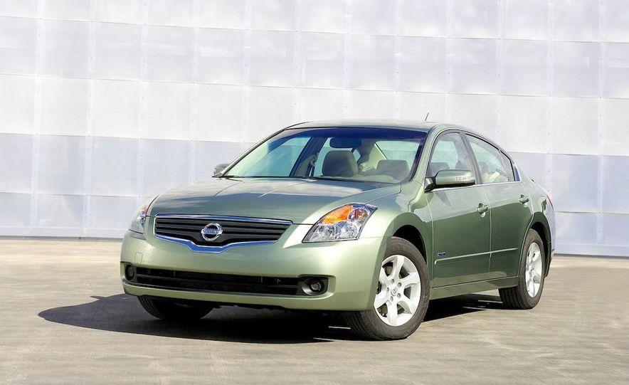 2008 Nissan Altima hybrid - Slide 1