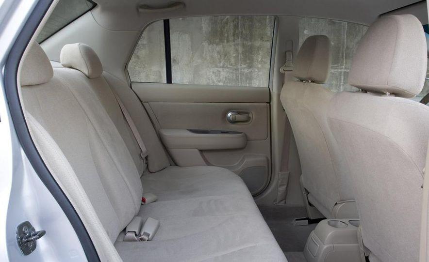2008 Nissan Versa - Slide 7