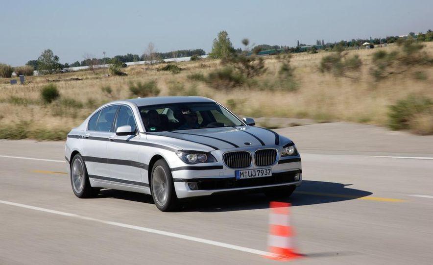 2009 BMW 7-series - Slide 13