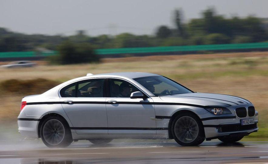2009 BMW 7-series - Slide 15