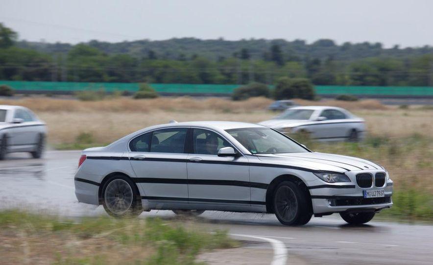 2009 BMW 7-series - Slide 16