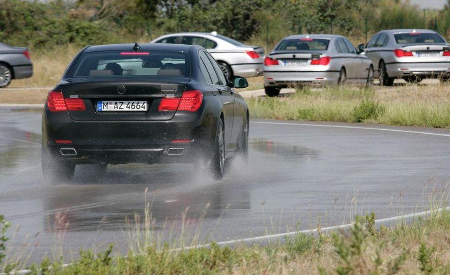 2009 BMW 7-series - Slide 25