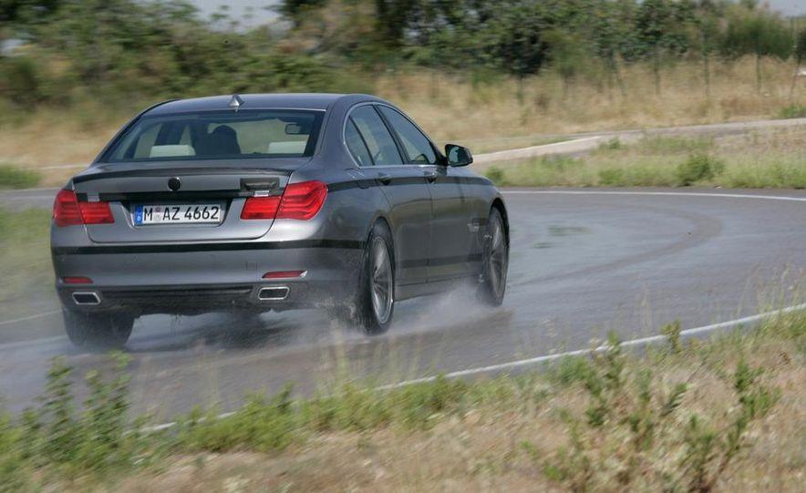 2009 BMW 7-series - Slide 26