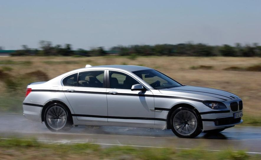 2009 BMW 7-series - Slide 19