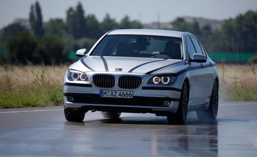 2009 BMW 7-series - Slide 3