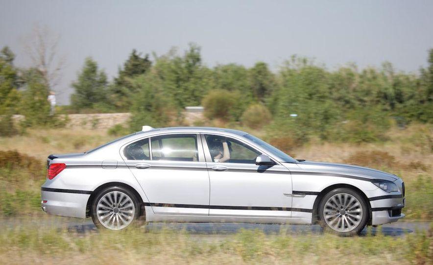 2009 BMW 7-series - Slide 21