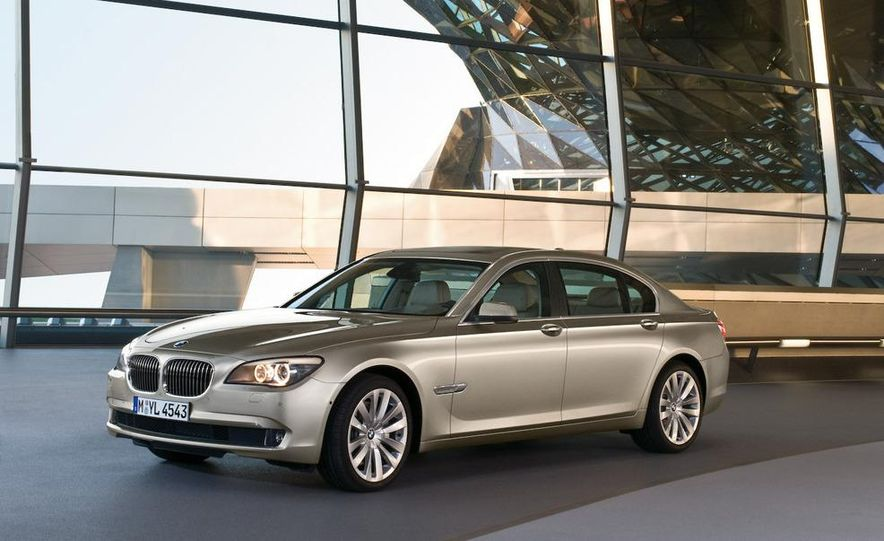 2009 BMW 7-series - Slide 36