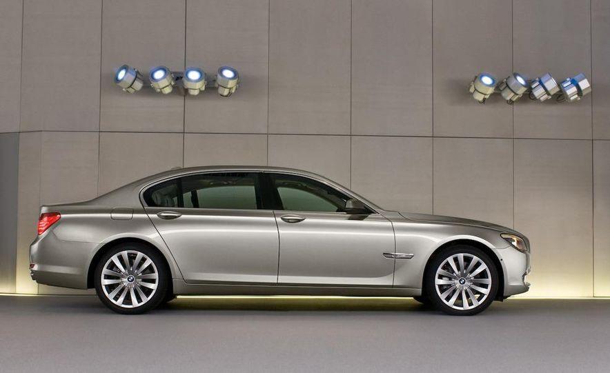 2009 BMW 7-series - Slide 39