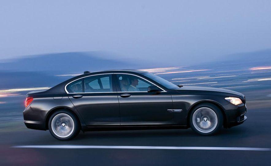 2009 BMW 7-series - Slide 34