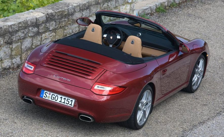 2009 Porsche 911 Carrera and Carrera S coupes and Cabriolets - Slide 10