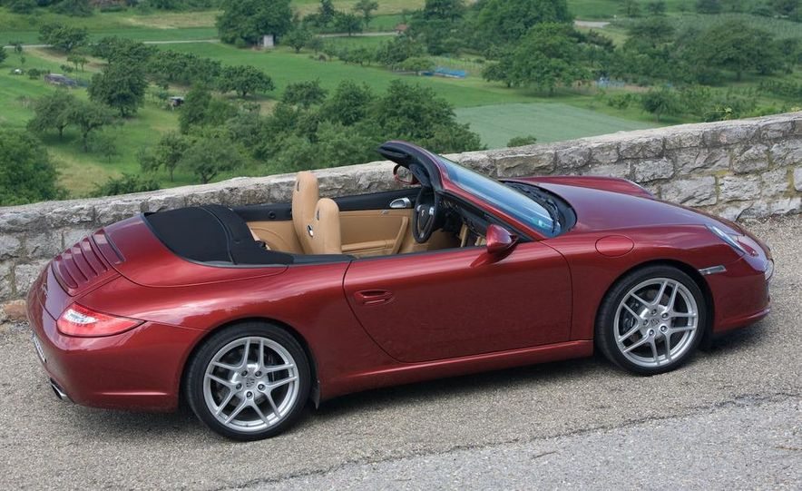 2009 Porsche 911 Carrera and Carrera S coupes and Cabriolets - Slide 11