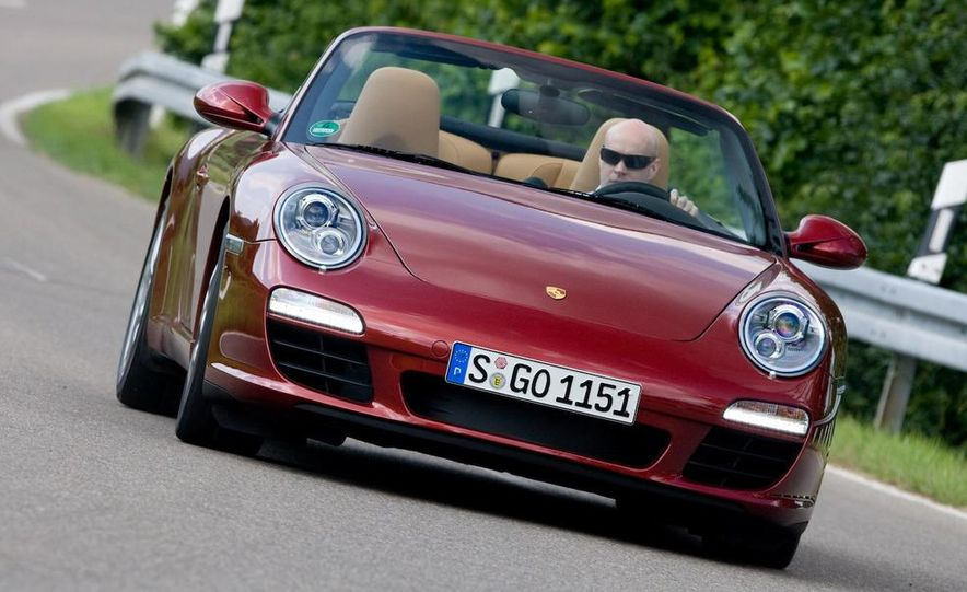 2009 Porsche 911 Carrera and Carrera S coupes and Cabriolets - Slide 21