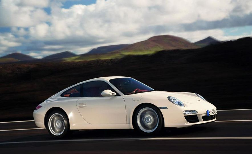 2009 Porsche 911 Carrera and Carrera S coupes and Cabriolets - Slide 2