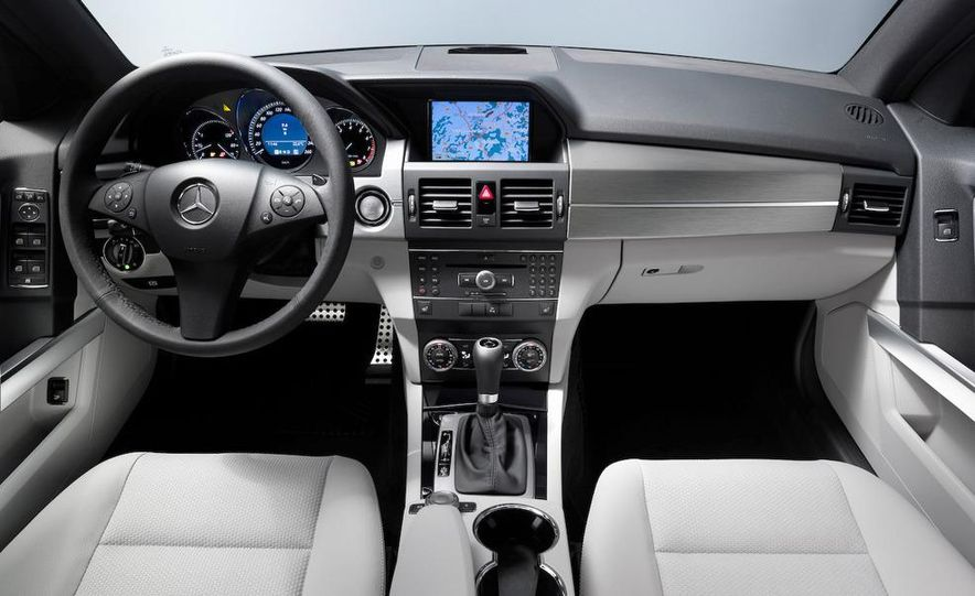 2010 Mercedes-Benz GLK350 4MATIC - Slide 31