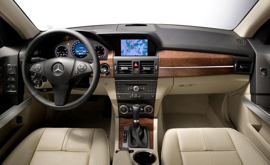 2010 Mercedes-Benz GLK350 4MATIC - Slide 33