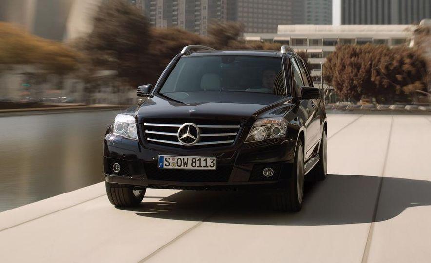 2010 Mercedes-Benz GLK350 4MATIC - Slide 3