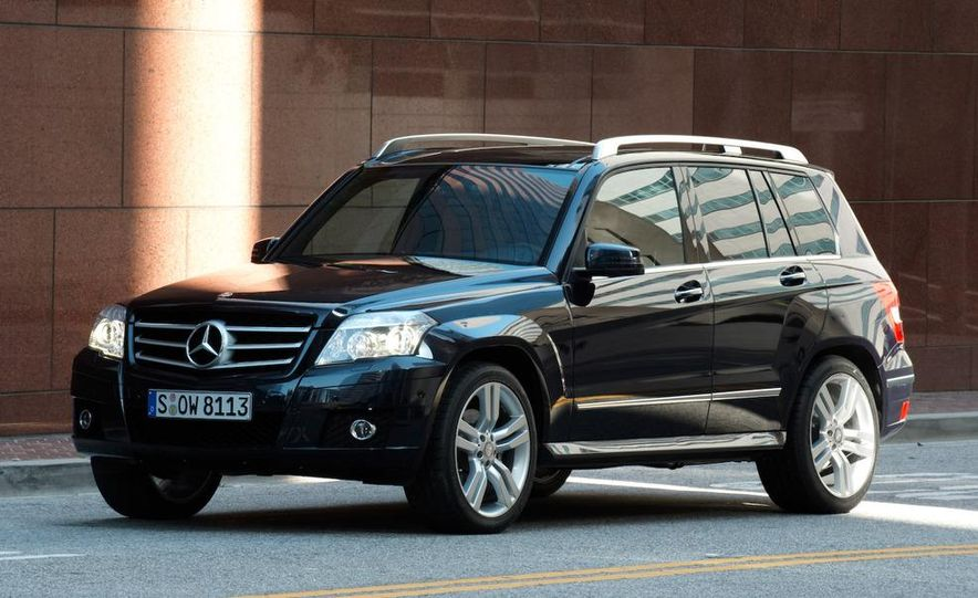2010 Mercedes-Benz GLK350 4MATIC - Slide 4